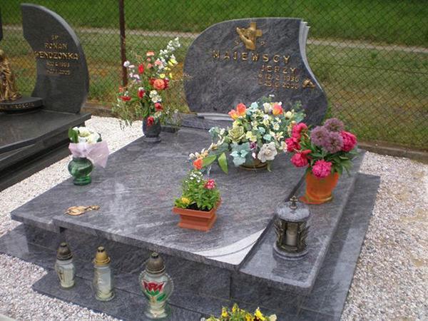 Exkluzivní hroby - 10