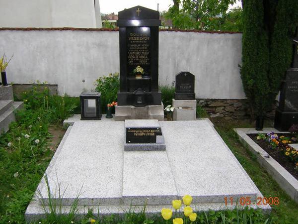 Renovace hrobů - 7
