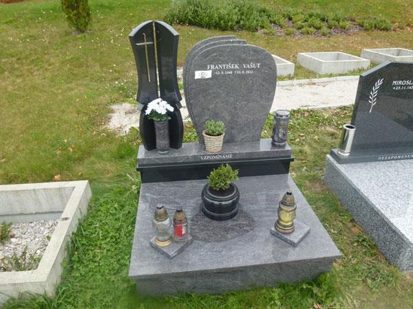Urnové pomníky - 35