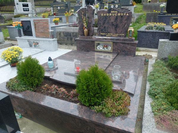 Zakrytí hrobů - 14